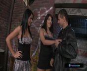 Bijou, Aida Sweet, and Totti in a late-night back alley threesome from gaye turgut evin fake porn